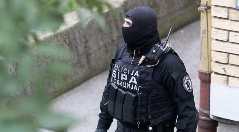 Photo of SIPA započela pretrese zbog lažiranja fiskalnih računa, više od stotinu policajaca na terenu