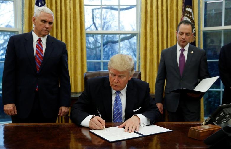 Photo of Trump traži da se odmah pokrene postupak opoziva u Senatu