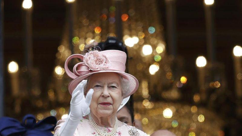 Photo of Bizarni poslovi koje posluga obavlja za kraljicu Elizabethu II