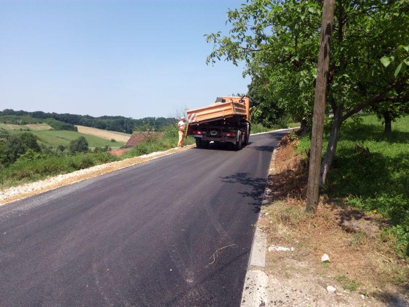 Photo of Otežan promet na lokalnoj cesti Grbavica – Ulice – Seonjaci