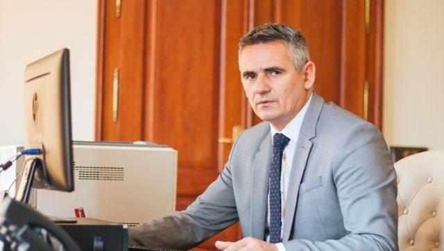 Photo of Brčko: Gradonačelnik Siniša Milić uputio telegram saučešća porodici Jovice Savića