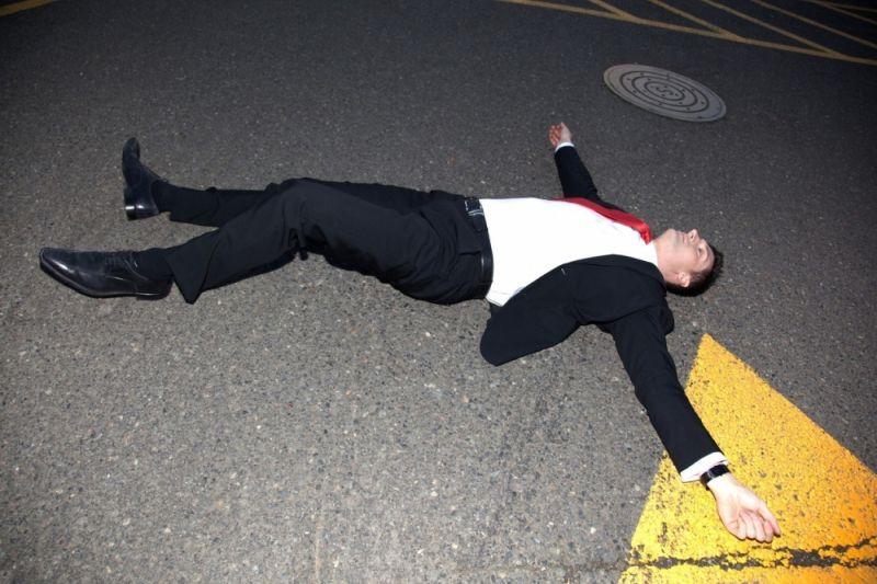 Photo of Пао са деветог спрата, устао па наставио да пије