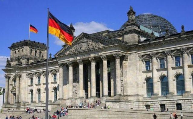 Photo of Nijemci za strožu politiku EU kada je riječ o dodjeli azila