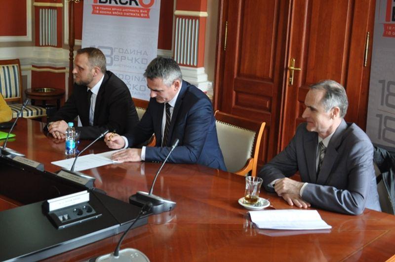 Photo of Милић и Танић потписали Mеморандум о повећању безбједности хране у БиХ