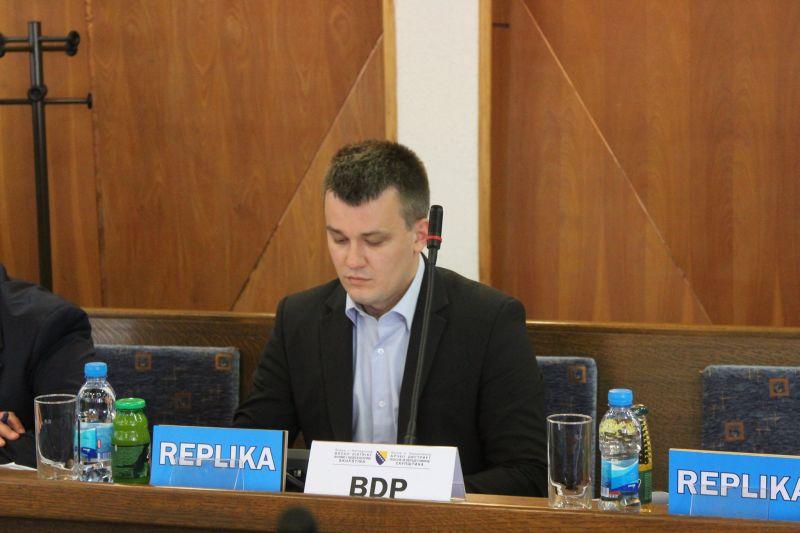 Photo of Brčko: Poslanik Branislav Marković iz kluba SDS-a prešao u PDP
