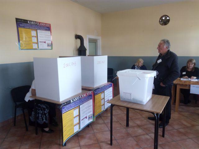 Photo of Brčko: Na biralištu u Gluhakovcu intervenisala policija
