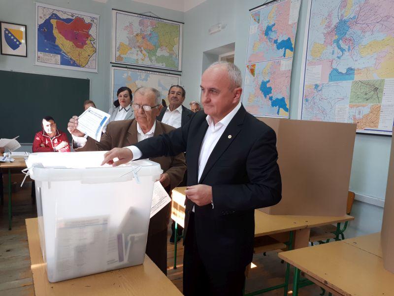 Photo of Брчко: Петар Ђокић обавио своју грађанску дужност