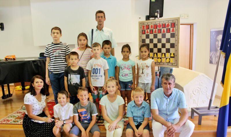 """Photo of Brčko: Počeo upis druge generacije polaznika Škole šaha Šahovskog kluba """"Magnus"""""""