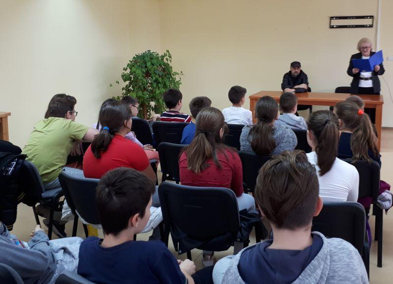 Photo of Druženje brčanskih osnovaca i pisca za djecu Vladimira Bakarića