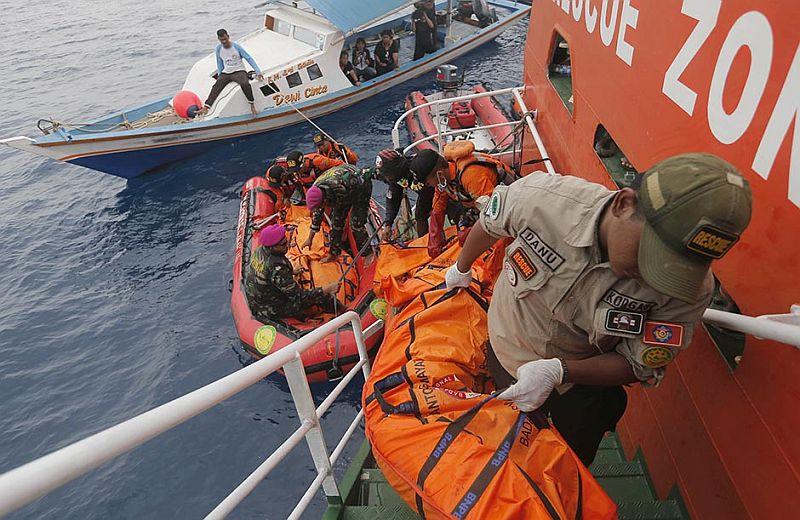 Photo of Indonezija: Porodice 189 žrtava pada putničkog aviona traže odgovore