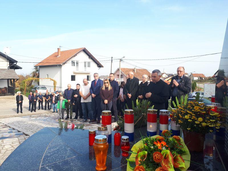 Photo of U Brčkom obilježena svetkovina Svi sveti