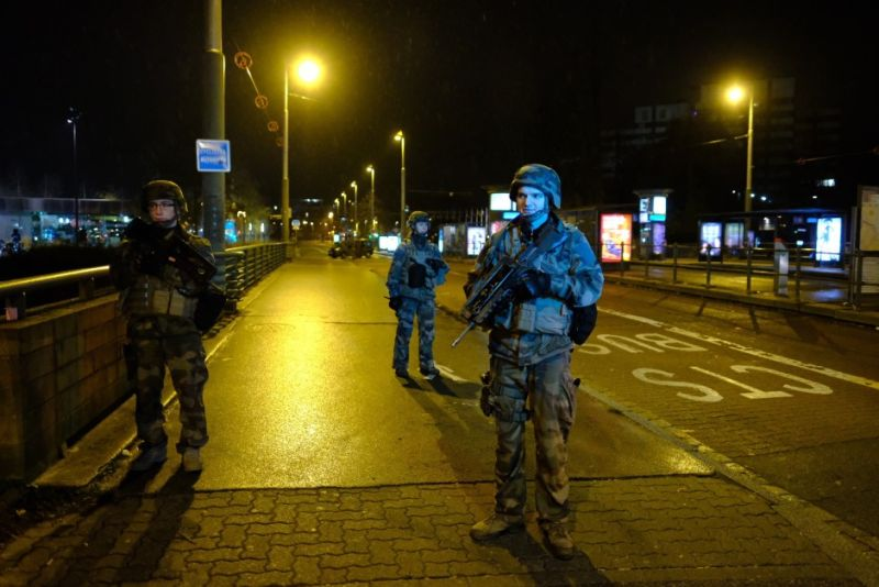 Photo of Francuska: Lov na Cherifa Chekkata koji je u Strazburu ubio tri osobe, a 13 ranio