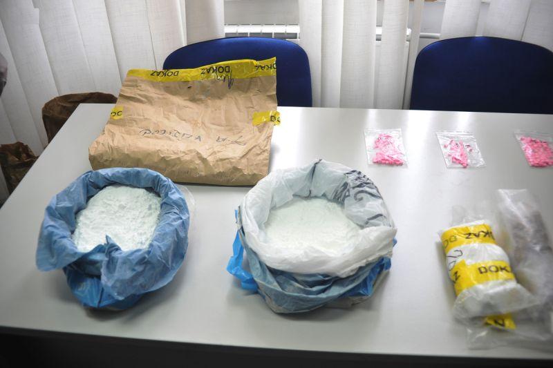 Photo of Zaplijenjeno više od pet kilograma droge namijenjene za tržište Tuzlanskog kantona