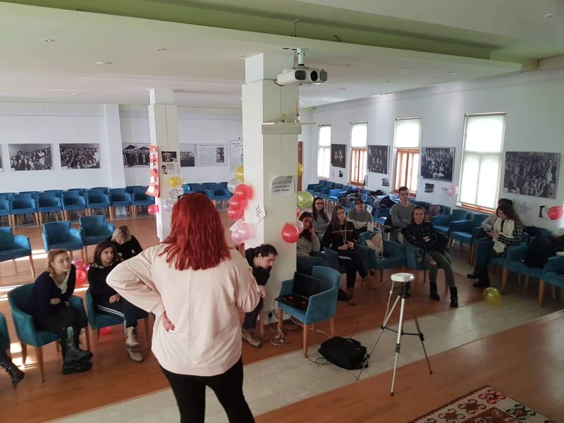 """Photo of Održana radionica na temu """"Suočavanje sa stresom i motivacija mladih za učenjem"""""""