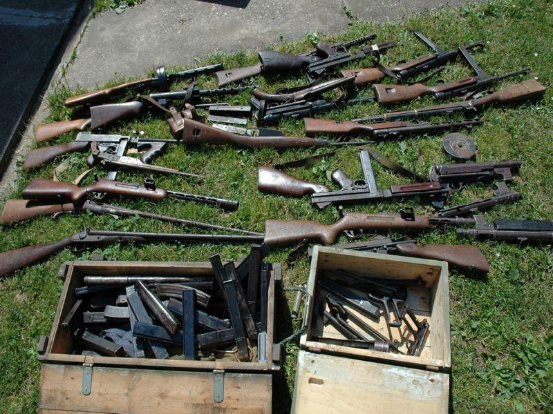 Photo of Članovi kriminalne grupe krijumčarili oružje, municiju, bombe i lijekove iz BiH u Švedsku
