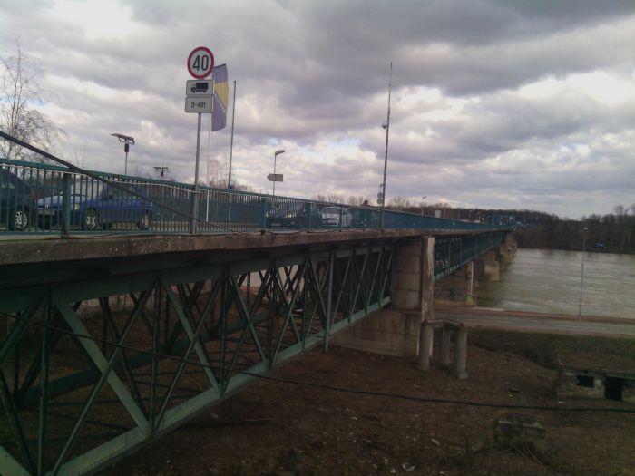 Photo of Alternativno rješenje: Između Brčkog i Gunje postaviti pontonski most