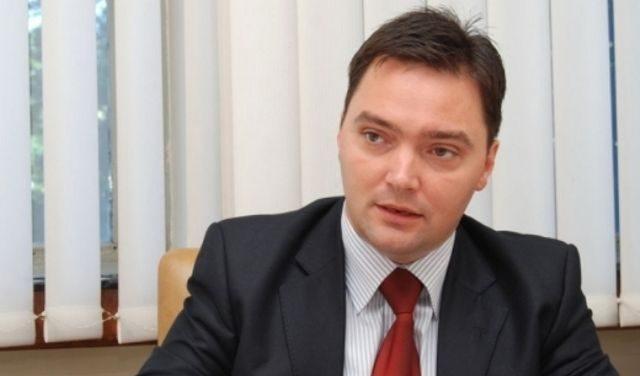 Photo of Кошарац: Потребно радити на измјенама Закона о платама и накнадама