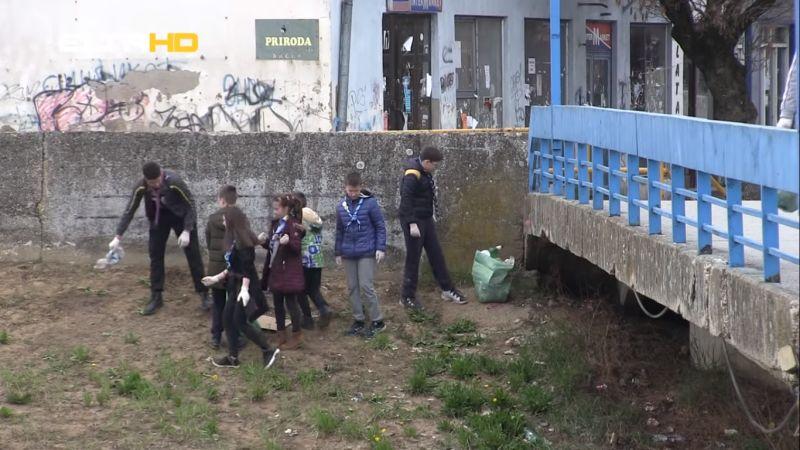 """Photo of Brčko: Akcija čišćenja korita rijeke Brke """"Budi faca, smeće se u rijeku ne baca"""""""