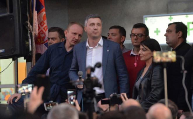 Photo of Епилог протеста u Београду: Обрадовић затражио да се сви ухапшени пусте данас до 15 часова