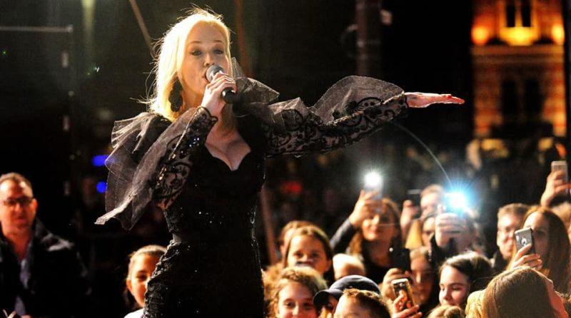 Photo of Brčko: Mnogobrojna publika sinoć uživala u koncertu Jelene Rozge