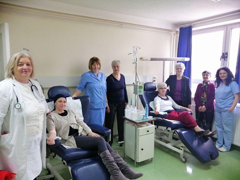 """Photo of Članice """"Brčanskog srca"""" posjetile pacijente na Odjeljenju onkologije"""