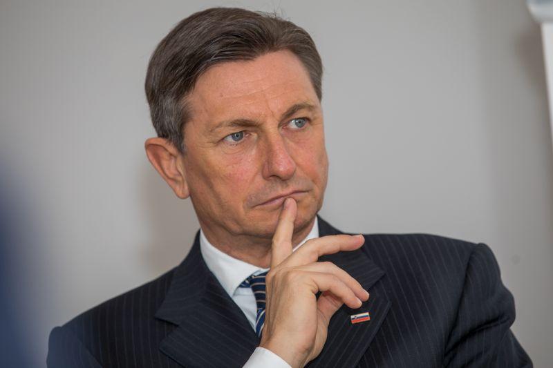 Photo of Pahor: Epidemija pod kontrolom, slažem se s davanjem ovlasti vojsci na granici