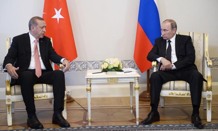 Photo of Erdogan i Putin razgovarali o Siriji i BiH