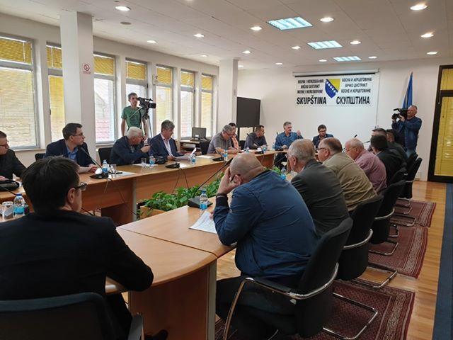 Photo of Parlamentarna većina danas o načinu rada Skupštine Distrikta