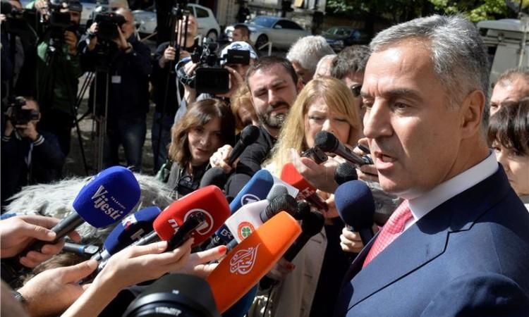 Photo of Đukanović u sporu sa SPC kaže da će Crna Gora braniti svoje interese