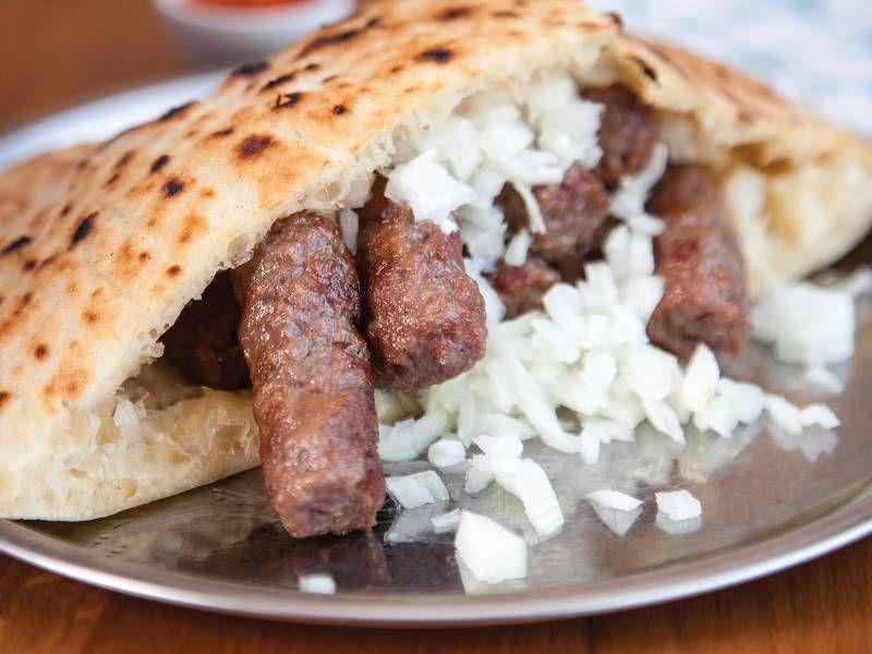 """Photo of Na listi """"Taste Atlasa"""" najboljih stotinu jela na svijetu, ćevapi zauzimaju 13. mjesto"""