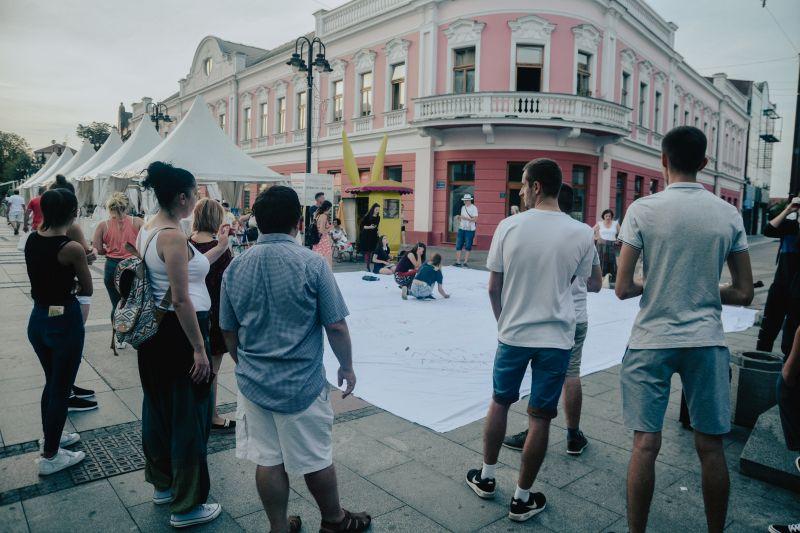 "Photo of ""District Team"" organizovao FLASH MOB na Trgu mladih"