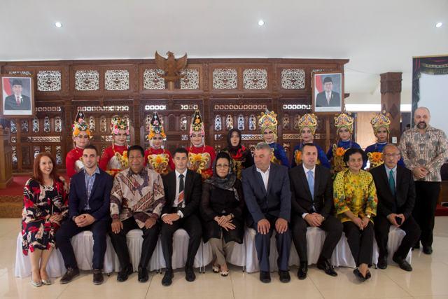 Photo of Potpisano prvo pismo namjere za bratimljenje Brčko distrikta i indonežanskog Magelanga