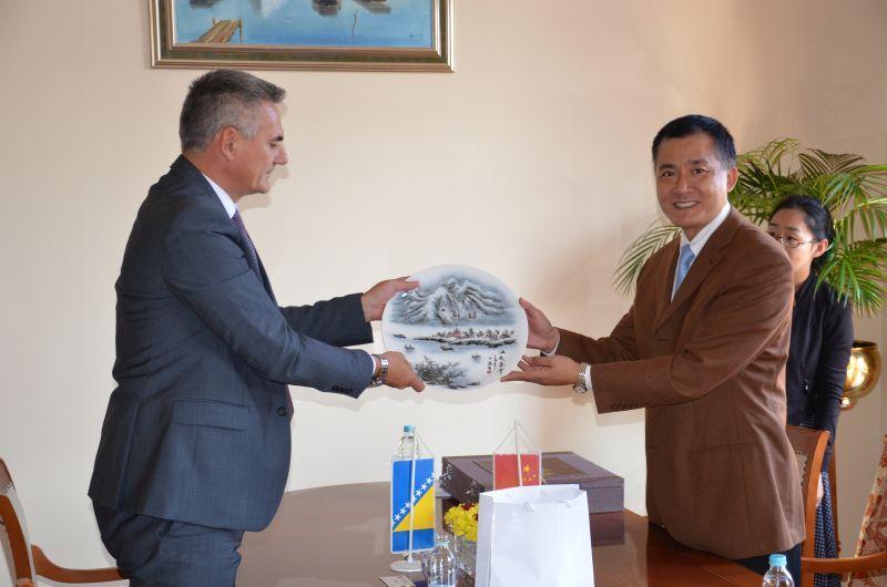 Photo of Brčko: Ambasador Kine u službenoj posjeti gradonačelniku Miliću
