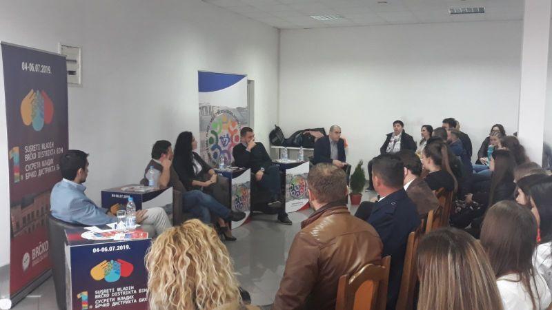 Photo of Sajam gospodarstva Brčko: Održan okrugli stol za mlade i poduzetnike