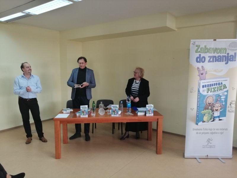 """Photo of Brčko: Osnovcima predstavljena knjiga """"Urnebesna fizika"""""""