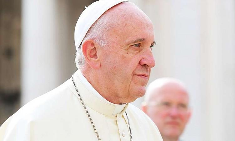 Photo of Papa Franjo osudio 'nečovječno i nekršćansko' jačanje antisemitizma