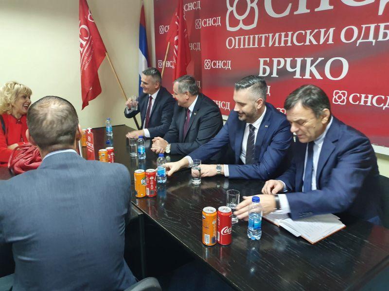 Photo of Вишковић похвалио рад Општинског одбора СНСД –а