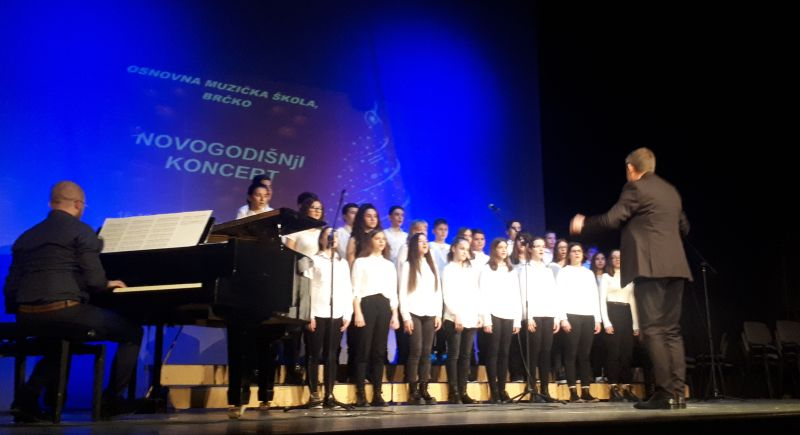 Photo of U Brčkom održan Novogodišnji koncert učenika Osnovne muzičke škole