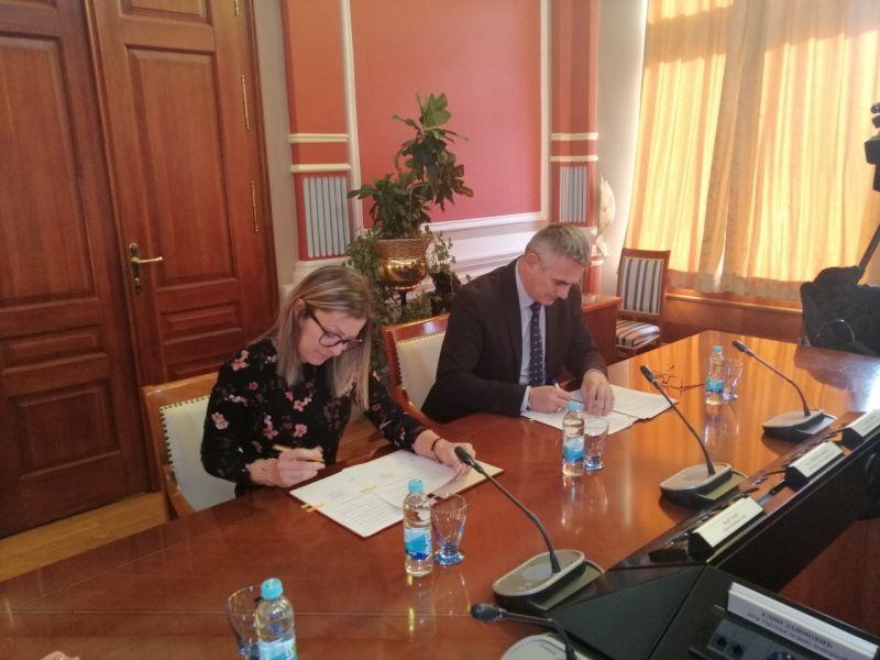 Photo of Vlada potpisala Memorandum o saradnji sa Udruženjem roditelja i lica sa invaliditetom