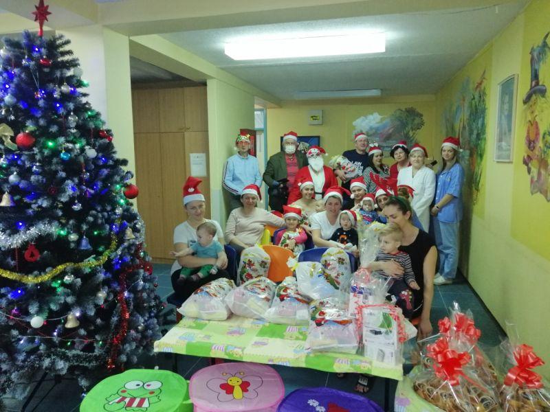 """Photo of """"Brčanski čaršijaneri"""" organizovali novogodišnju akciju"""
