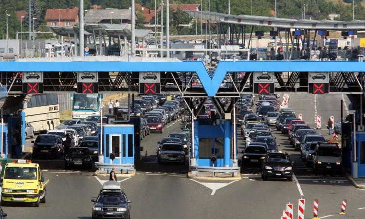 Photo of BiHAMK – Pojačan promet na graničnim prijelazima na izlazu iz BiH