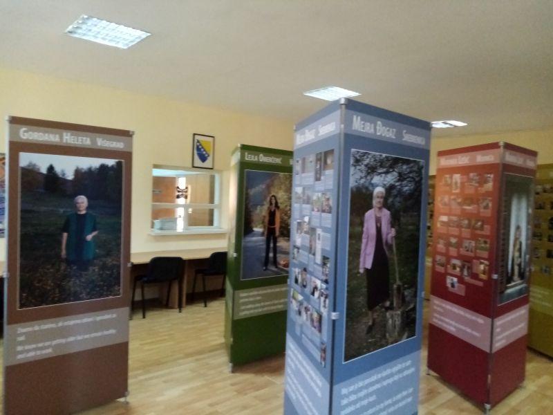 """Photo of Брчко: Отворена изложба под називом """"Живе смо"""""""
