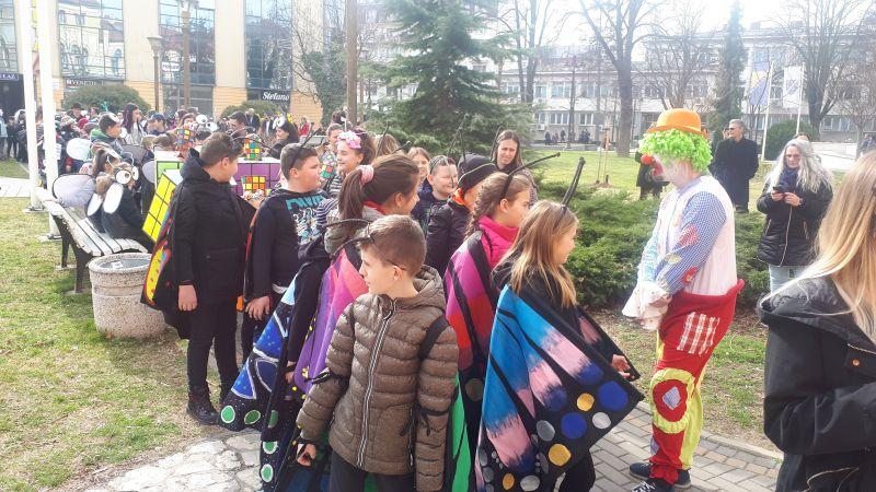 Photo of Brčko: Karnevalska povorka defilirala kroz grad