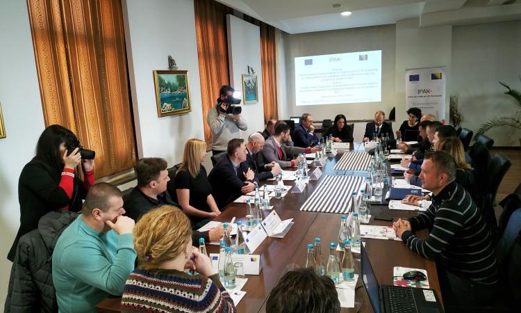 Photo of EU pomaže BiH u napretku u borbi protiv korupcije