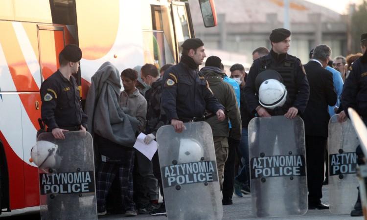 Photo of Sukobi policije i stanovnika grčkih ostrva zbog izgradnje centara za migrante