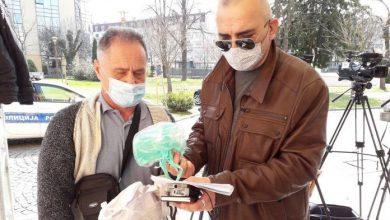 """Photo of Удружење """"БХ новинари"""" донирало маске медијским радницима у Брчком"""