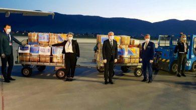 Photo of Na sarajevski aerodrom sletio avion iz Šangaja sa donacijom kompanije Violeta