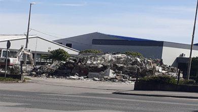 Photo of Посљедњи симбол Тесле, портирница крај које су пролазили радници је срушен