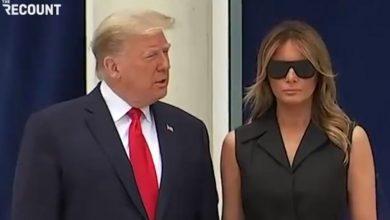 Photo of Trump tražio od Melanije da se nasmije, njezina grimasa izazvala lavinu reakcija