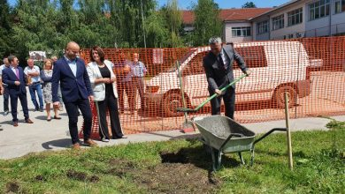 Photo of Брчко: Положен камен темељац за изградњу спортске сале у Пољоприведној и медицинској школи